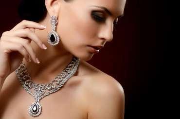 Diamond Arrives at the New Paris Flagship Store